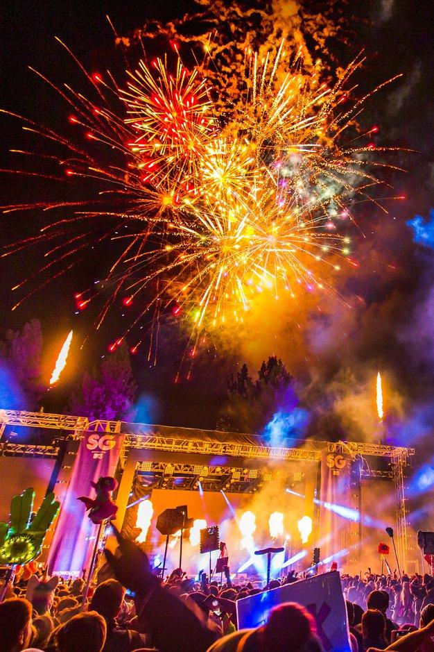 Kam za novo leto? Tukaj so 4 odlične ideje - Foto: SnowGlobe Music Festival, HYTE Berlin, Vic Falls Carnival in Epizode