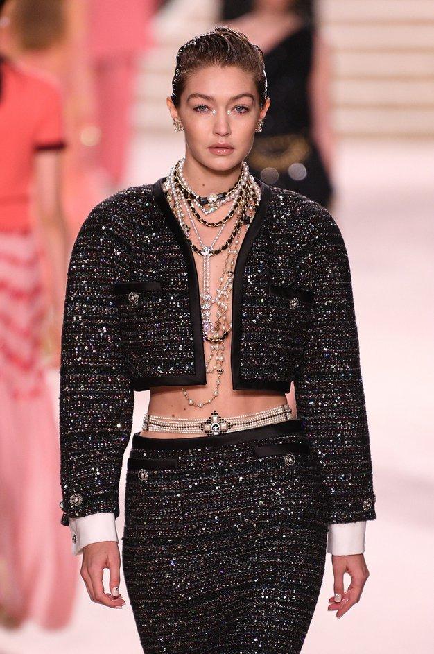 Oglejte si najlepše kreacije z modne revije Chanel