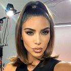 Kim Kardashian tokrat izbrala najbolj konservativen videz doslej