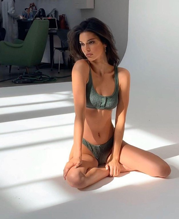 Kendall Jenner se je pobarvala! Poglejte, kako je videti sedaj - Foto: Profimedia