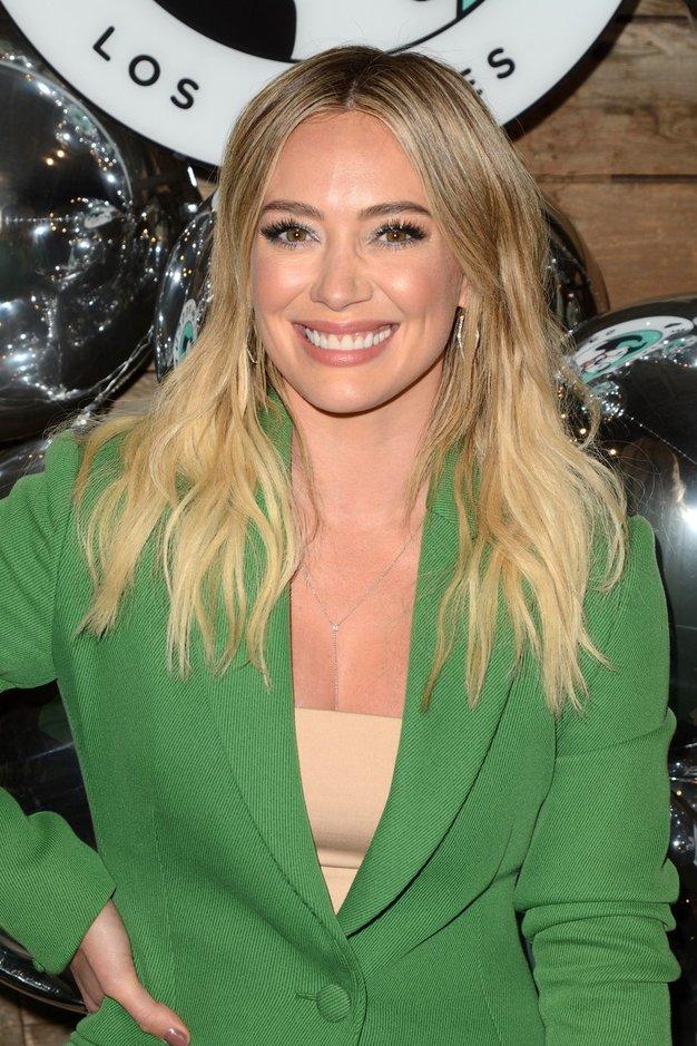 Hilary Duff nas je očarala v čudoviti poročni obleki - Foto: Profimedia