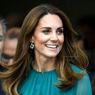 Kate Middleton očarljiva v vzorčasti obleki