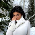 Kylie Jenner je presenetila s čisto novo barvo las