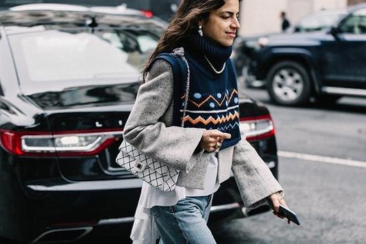 Pozabite na šal, to sezono nas bo grel ta modni kos - Foto: Instagram