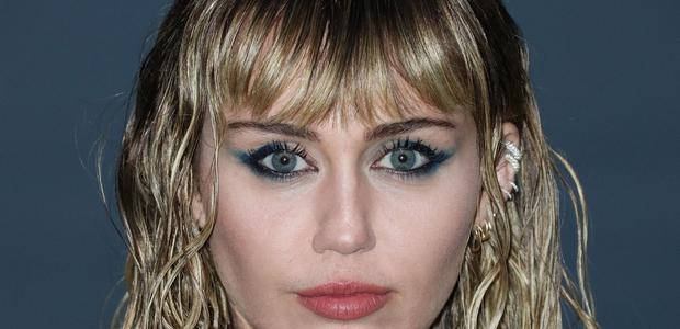 Miley Cyrus je v novem letu spet kratkolaska