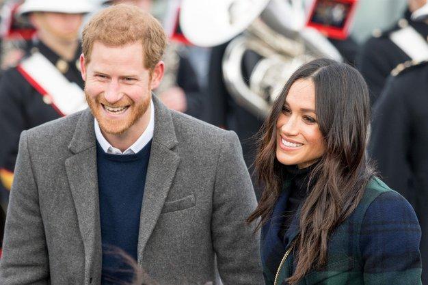 Meghan Markle je po novici, da s Harryjem opuščata vse kraljeve dolžnosti, nosila ta outfit - Foto: profimedia