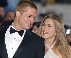 To je fotografija Brada Pitta in Jennifer Aniston, ki je danes zlomila internet