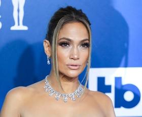 Jennifer Lopez nas je očarala na rdeči preprogi nagrad SAG