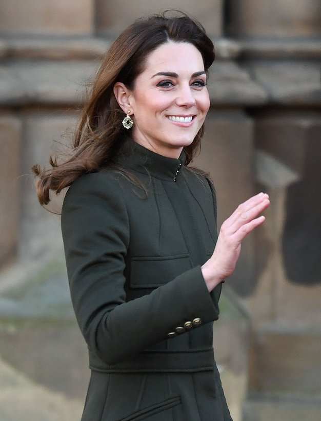 Kate Middleton je nepričakovano stopila iz stanovanja in pokazala najlepšo obleko letošnjega poletja - Foto: Profimedia