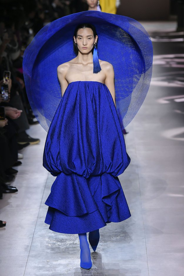 V fotogaleriji si oglejte Givenchyjeve najlepše kreacije.