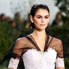 Osupljiva Chanelova kolekcija visoke mode se tokrat ozira v otroštvo Coco Chanel