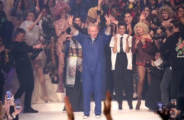 S temi kreacijami se je Jean Paul Gaultier po 50 letih poslovil od visoke mode - Foto: Profimedia