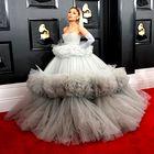Najlepše oblečeni z rdeče preproge Grammyjev 2020