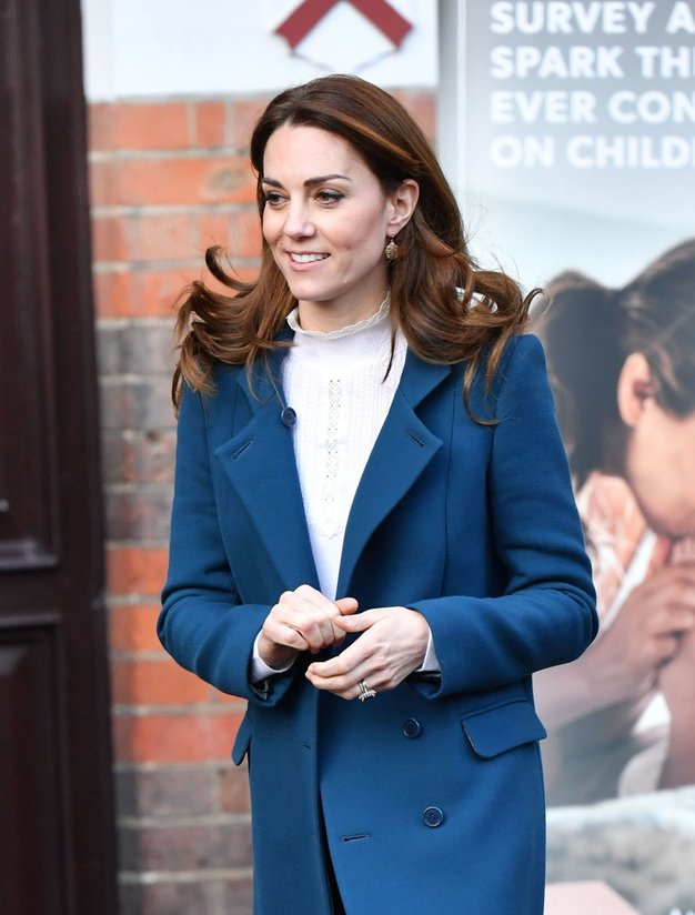 Ne marate širokih hlač? Kate Middleton zagovarja 'skinny jeans' - Foto: Profimedia