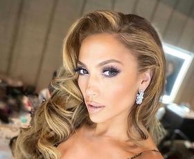 Pozabite na bele superge, Jennifer Lopez je nosila take