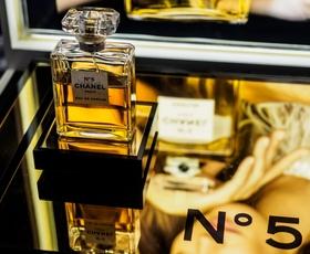 Chanel No 5 – biografija najslavnejšega parfuma na svetu