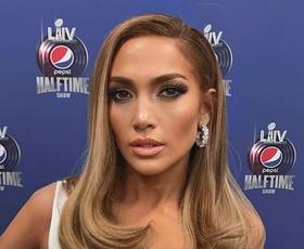 Pozabite na kožno barvo ustnic, Jennifer Lopez prisega na ta odtenek (+ najlepše šminke)