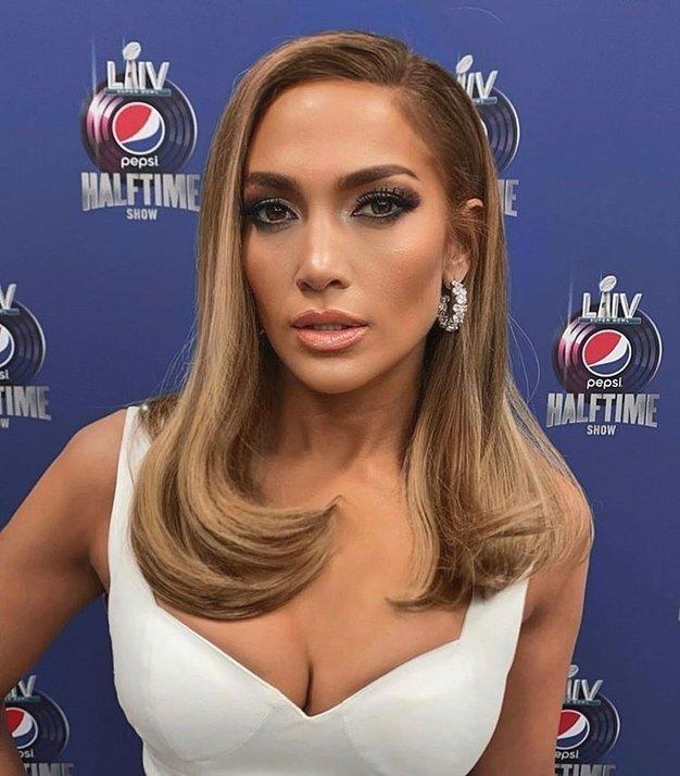 Pozabite na kožno barvo ustnic, Jennifer Lopez prisega na ta odtenek (+ najlepše šminke) - Foto: Profimedia