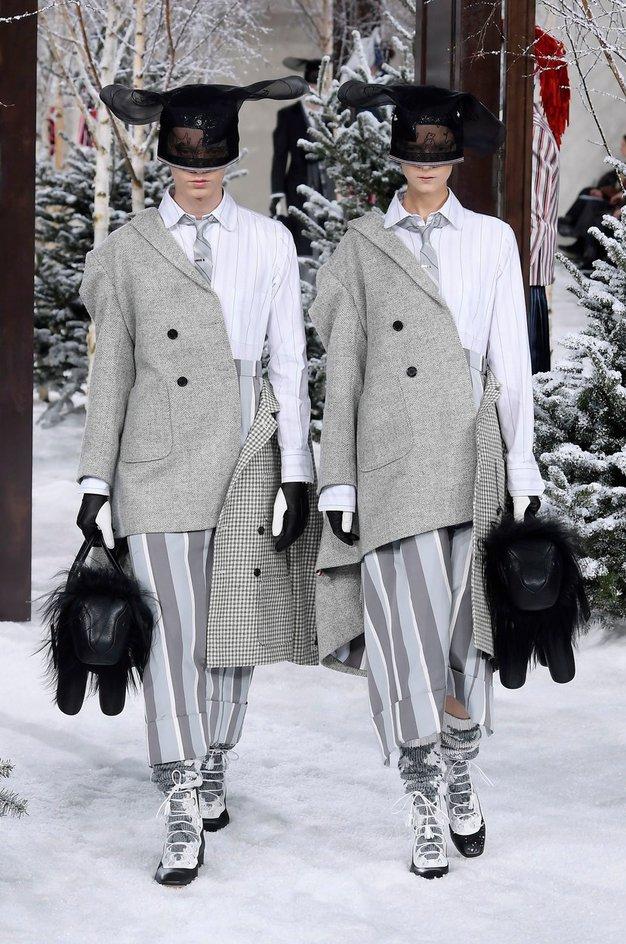 Ekskluzivno iz Pariza: Oglejte si viralen trenutek z modne revije Thom Browne - Foto: Profimedia