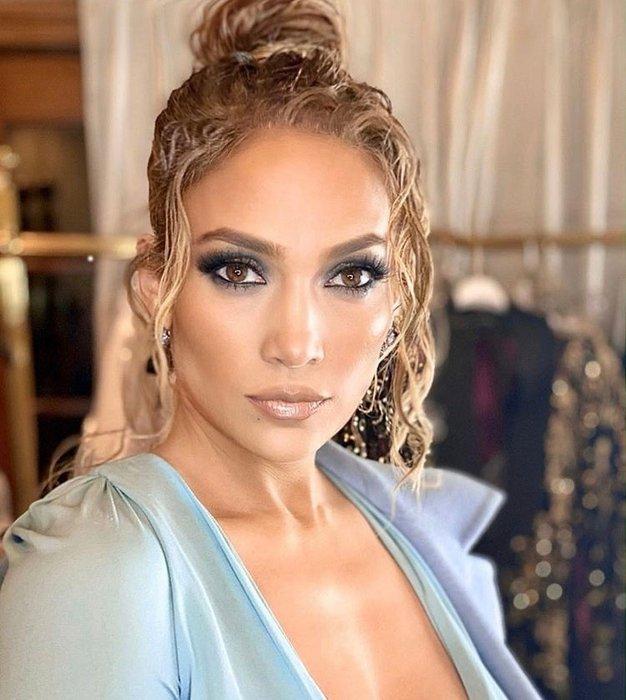 Ta poletni stajling Jennifer Lopez boste želeli posnemati takoj - Foto: Profimedia