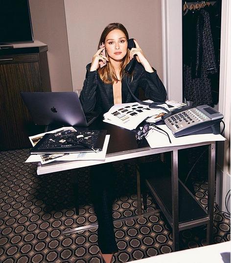 Kako se obleči za delo od doma? Tukaj je 13 izvirnih rešitev - Foto: Instagram