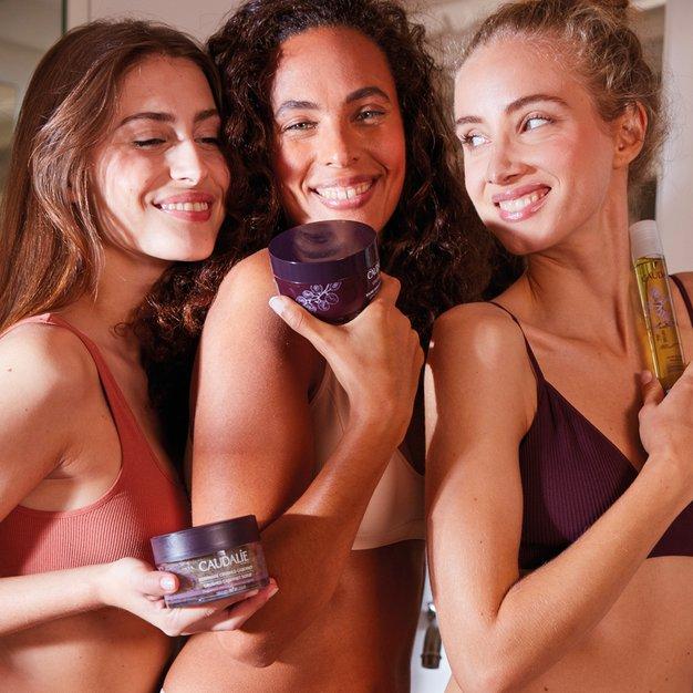 Lepotni ukrep pred poletjem: vidno bolj čvrsta koža v le 4 korakih, in to v zavetju doma - Foto: PROMO