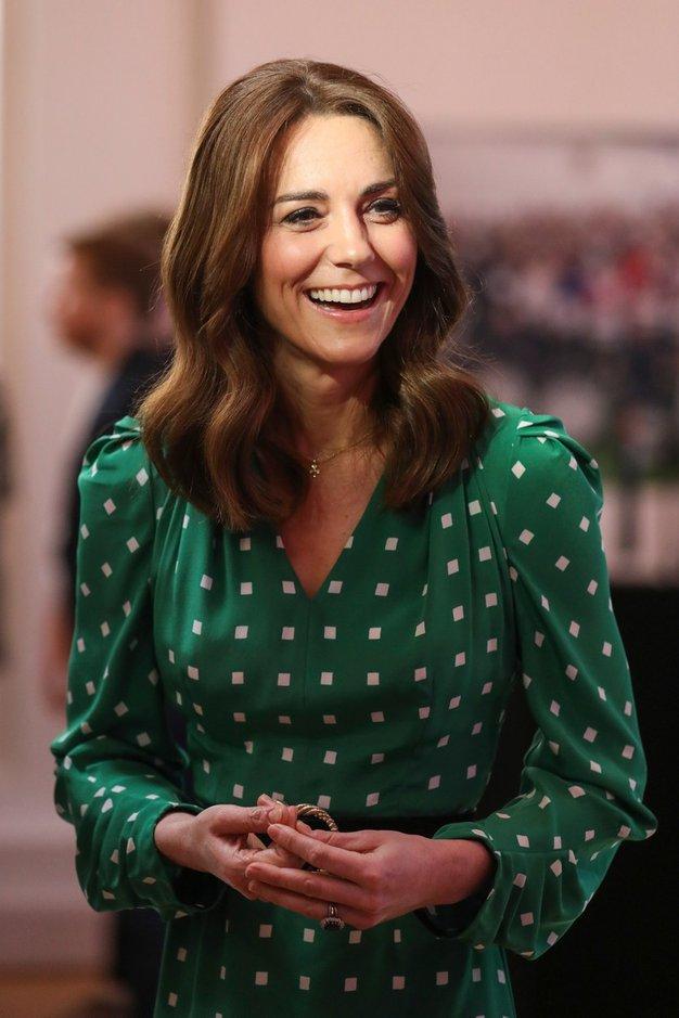 Kate Middleton med karanteno nosi ta pulover iz Zare - Foto: Profimedia