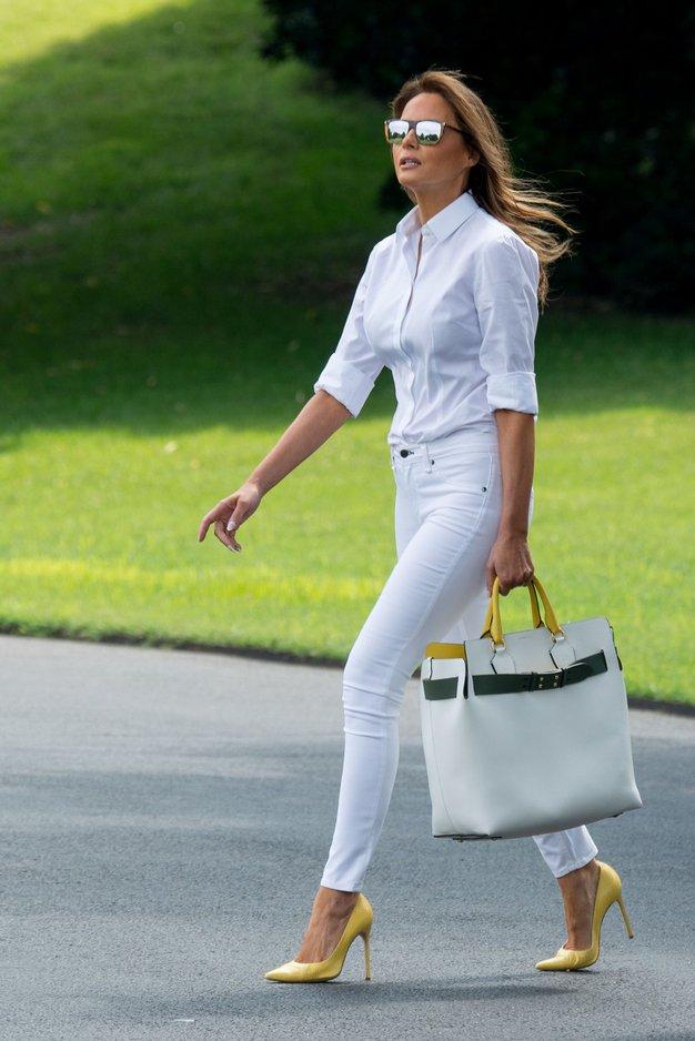 Poglejte, kdo v resnici plačuje luksuzna dizajnerska oblačila Melanie Trump - Foto: Profimedia