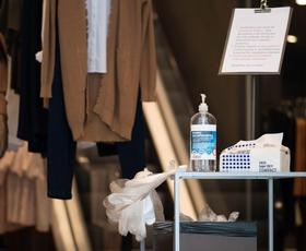 Kako bo sredi pandemije potekalo pomerjanje oblačil