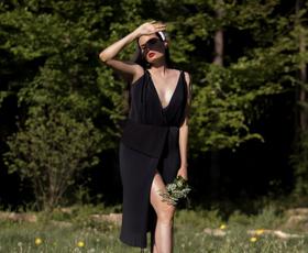 Kako je nastala prva virtualna modna revija v Sloveniji? (pogovor z Janjo Videc)