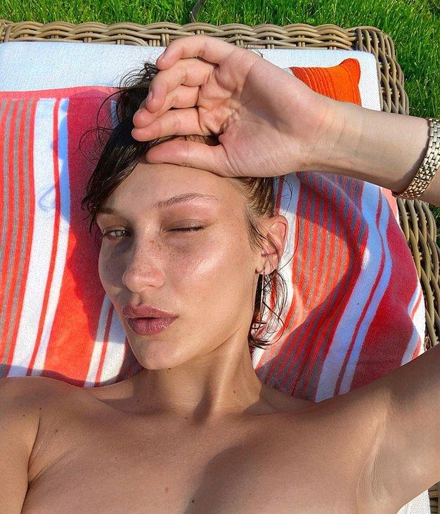 Bella Hadid je nosila seksi kopalke - in sedaj jih hočemo imeti tudi mi - Foto: Profimedia