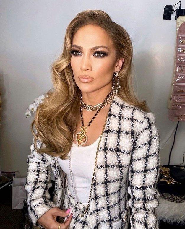 Jennifer Lopez čudovita v najlepšem zimskem plašču doslej - Foto: Profimedia