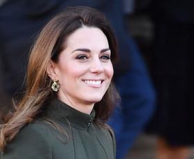 Kate Middleton je nosila čudovito poletno obleko za manj kot 50 evrov