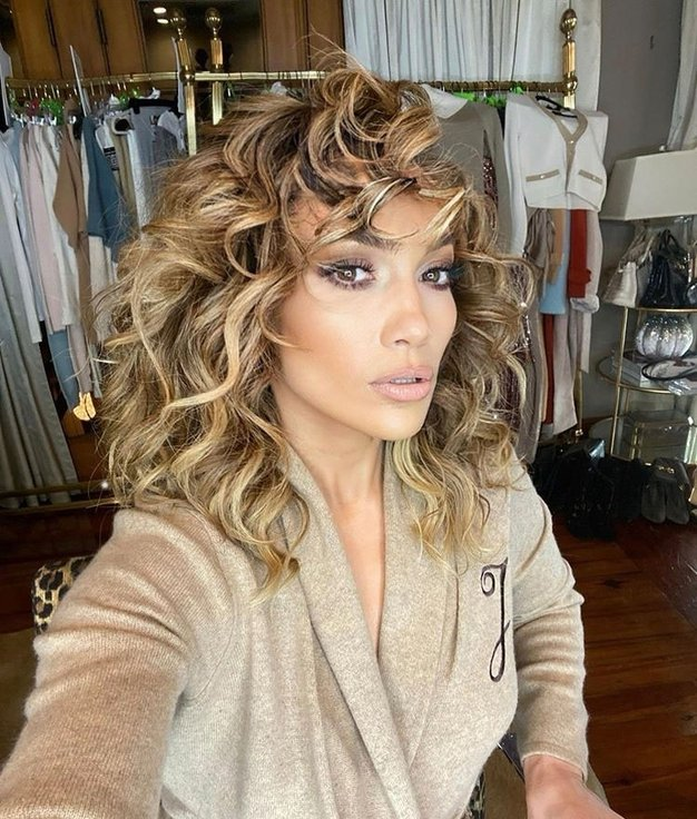 Jennifer Lopez osupljiva v usnju od glave do pet - Foto: Profimedia