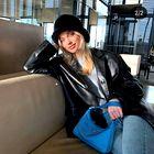 Našli smo dostopno različico Pradine torbice, ki je obnorela Instagram