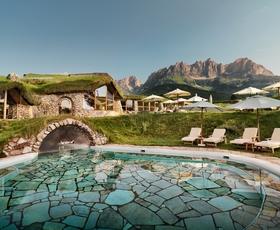 Bio-hotel Stanglwirt: Raziščite pravljično Tirolsko
