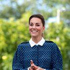 Kate Middleton prisega na jesenski trend hlač, zaradi katerega boste pozabili na svoje najljubše kavbojke