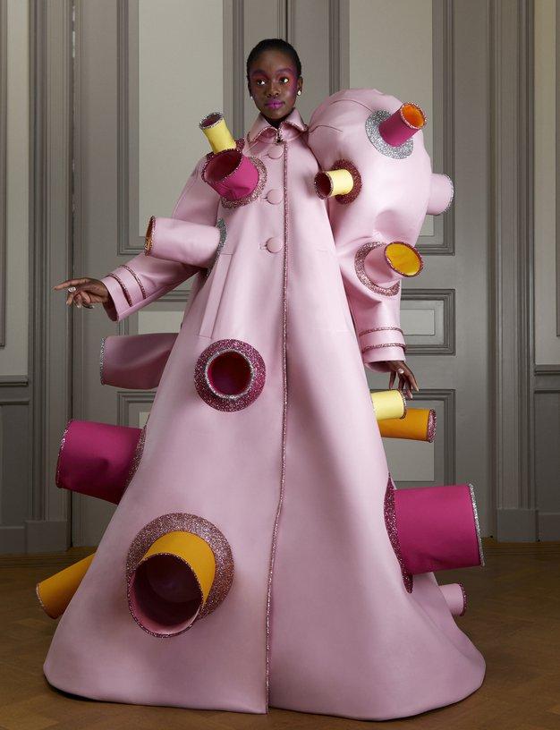Modna hiša Viktor&Rolf navdušuje z novo kolekcijo Haute Couture s pridihom humorja - Foto: Viktor&Rolf