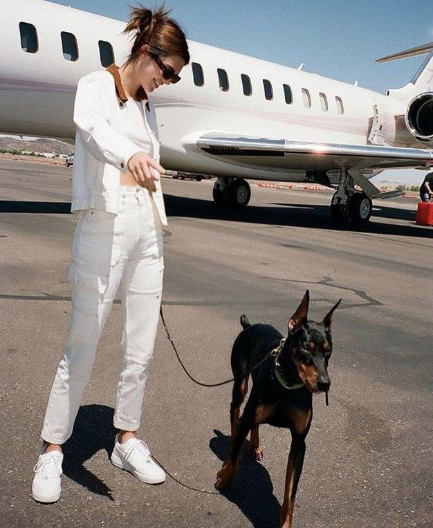 To je nova najljubša torbica Kendall Jenner (+ kje jo najdete po znižani ceni) - Foto: Profimedia