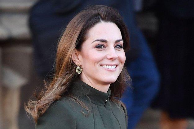 Oglejte si vse obleke s pikami, ki jih je nosila vojvodinja ...