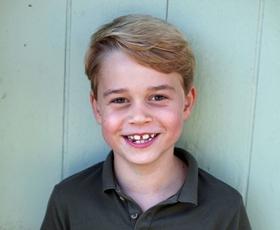 Oglejte si prisrčne fotografije princa Georga na njegov 7. rojstni dan