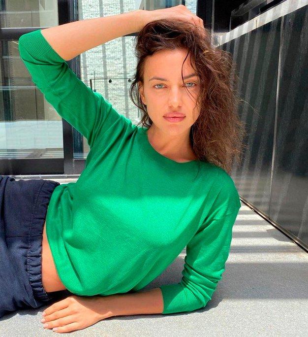 Karirasto srajco bomo jeseni nosili kot Irina Shayk - Foto: Profimedia
