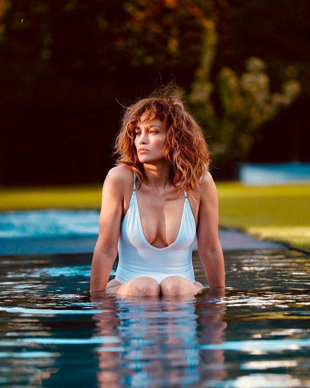 Jennifer Lopez pokazala nenaličen obraz in videti je popolnoma drugačna - Foto: Profimedia