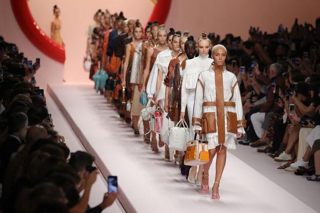 Teden mode se septembra nadaljuje v Milanu (vse, kar morate vedeti) - Foto: Profimedia