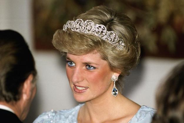 Nikoli ne uganete, zaradi katerega prikupnega razloga princesa Diana skoraj ni oblekla ene svojih ikoničnih oblek - Foto: Profimedia