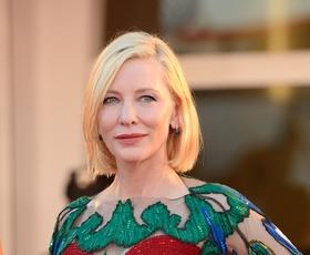 Cate Blanchett znova jemala dih v večerni obleki v Benetkah