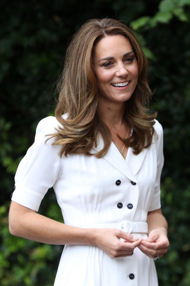 Kate Middleton je pravkar nosila najbolj trenden modni dodatek leta 2021 - Foto: Profimedia