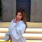 Mini srajčna obleka je vse, kar potrebujete - narekuje Kaylie Jenner