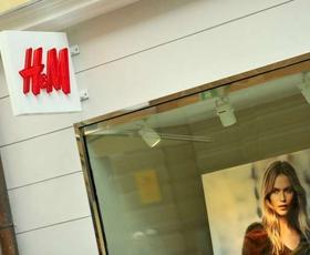 Pri H&M napovedali, da bodo v 2021 zaprli 250 trgovin