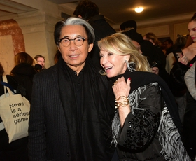Za posledicami covid-19 umrl modni oblikovalec Kenzo Takada
